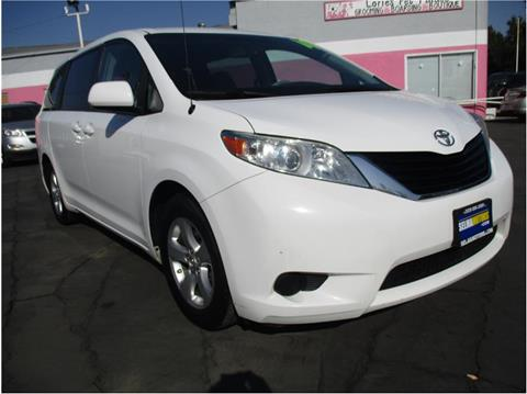 2014 Toyota Sienna for sale in Selma, CA