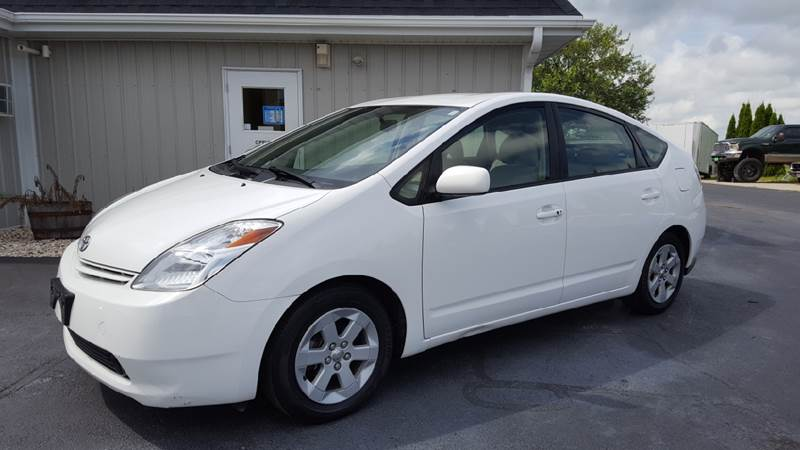 2004 Toyota Prius for sale at 920 Automotive in Watertown WI