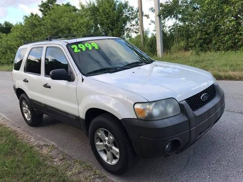 2005 Ford Escape for sale at LA Motors Miami in Miami FL