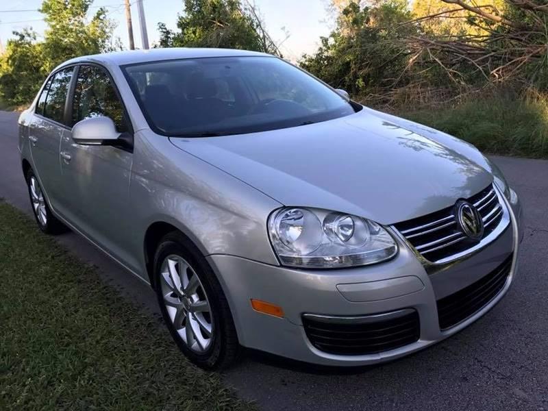 2010 Volkswagen Jetta for sale at LA Motors Miami in Miami FL