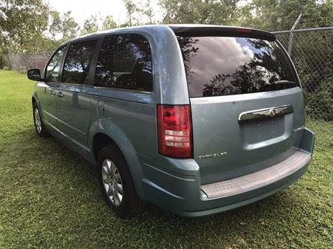 2009 Chrysler Town and Country for sale at LA Motors Miami in Miami FL
