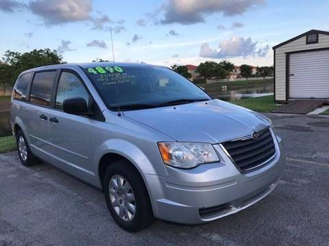 2008 Chrysler Town and Country for sale at LA Motors Miami in Miami FL