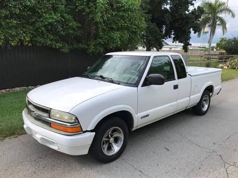 2000 Chevrolet S-10 for sale at LA Motors Miami in Miami FL