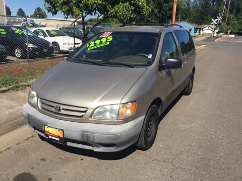 2001 Toyota Sienna for sale at Car Safari LLC in Independence OR