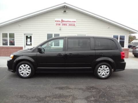2017 Dodge Grand Caravan for sale at GIBB'S 10 SALES LLC in New York Mills MN