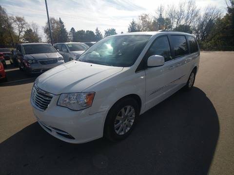 2016 Chrysler Town and Country for sale in Jordan, MN