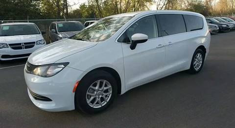 2017 Chrysler Pacifica for sale in Jordan, MN