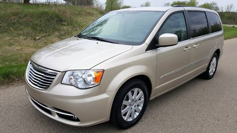 2013 Chrysler Town and Country for sale in Shakopee, MN