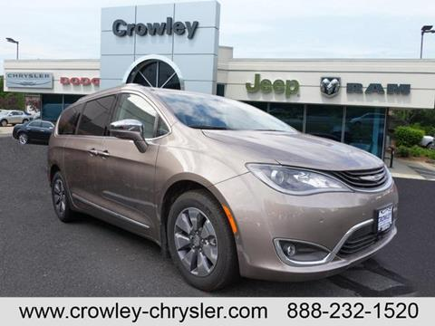 2017 Chrysler Pacifica Hybrid for sale in Bristol, CT