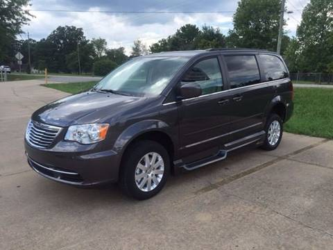 2016 Chrysler Town and Country for sale in Grimes, IA
