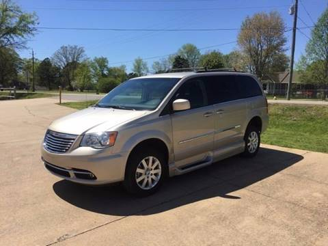 2016 Chrysler Town and Country for sale in Benton, AR