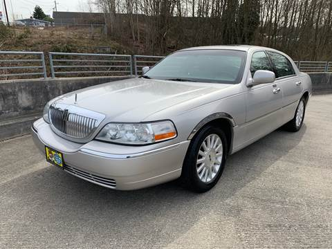 2004 Lincoln Town Car for sale in Lynnwood, WA