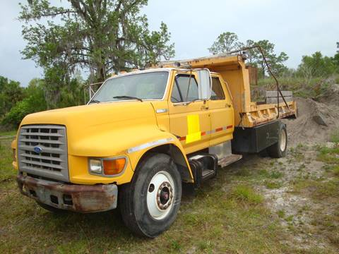 1995 Ford F800 4 door drump truck for sale in Homosassa, FL