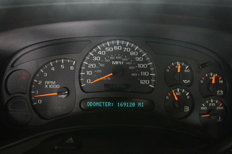 2005 Chevrolet Silverado 1500 for sale at Apple Auto in La Crescent MN