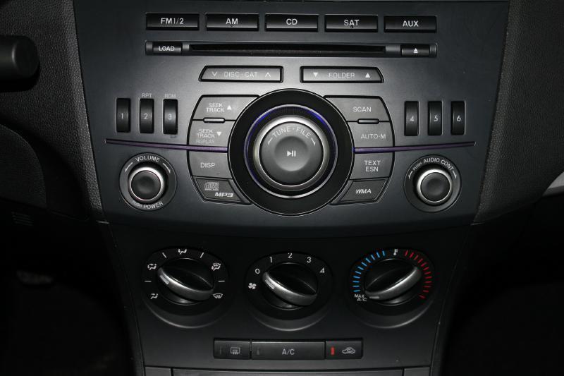 2013 Mazda MAZDA3 for sale at Apple Auto in La Crescent MN