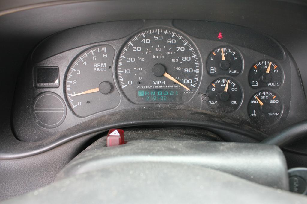 2002 GMC Sierra 1500 for sale at Apple Auto in La Crescent MN