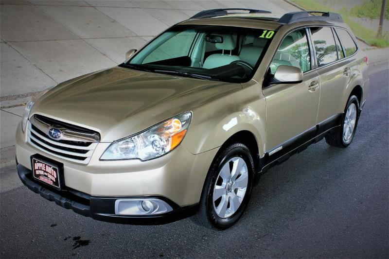 2010 Subaru Outback for sale at Apple Auto in La Crescent MN