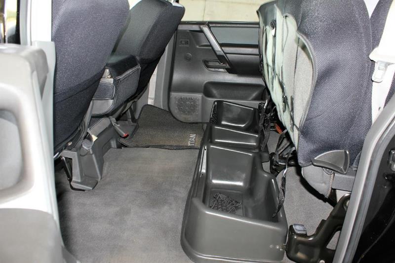 2005 Nissan Titan for sale at Apple Auto in La Crescent MN