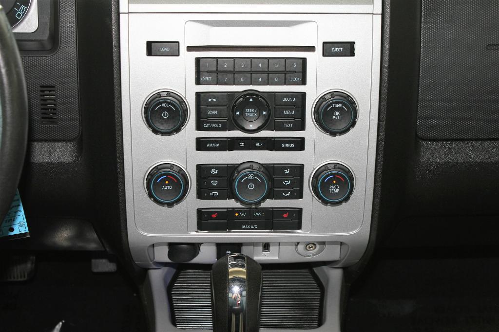 2010 Mercury Mariner for sale at Apple Auto in La Crescent MN