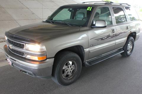 2001 Chevrolet Tahoe for sale at Apple Auto in La Crescent MN