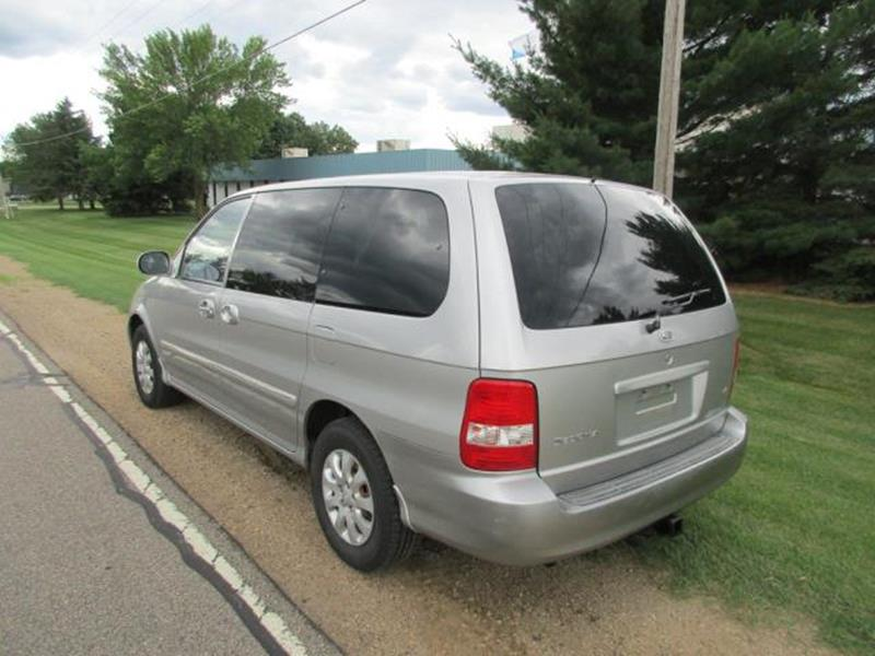 2004 Kia Sedona for sale at HUDSON AUTO MART LLC in Hudson WI