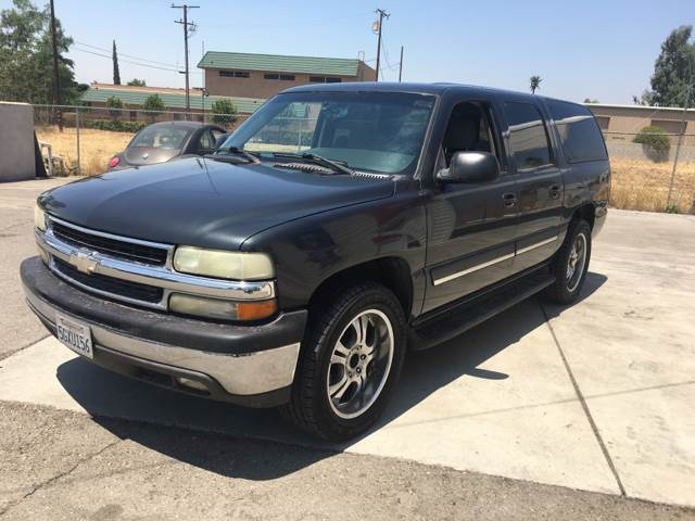 2004 Chevrolet Suburban for sale at CALIFORNIA AUTO FINANCE GROUP in Fontana CA