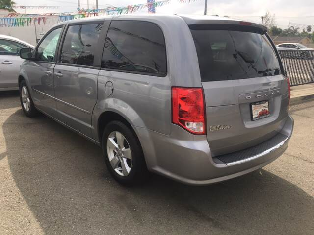 2014 Dodge Grand Caravan for sale at CALIFORNIA AUTO FINANCE GROUP in Fontana CA