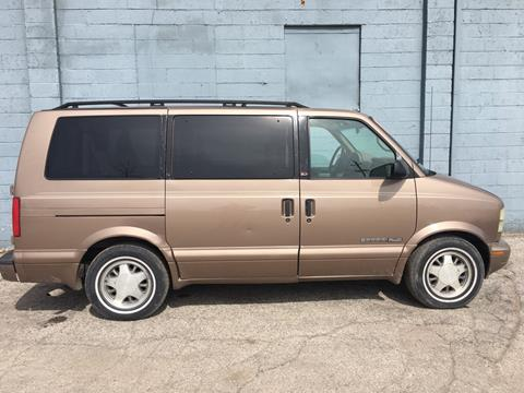 2001 GMC Safari for sale in Saginaw, MI