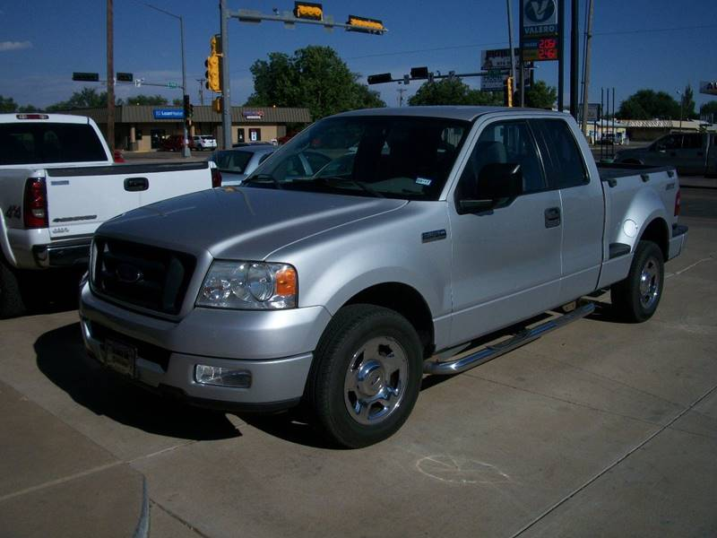 2005 Ford F-150 for sale at W & W MOTORS in Clovis NM