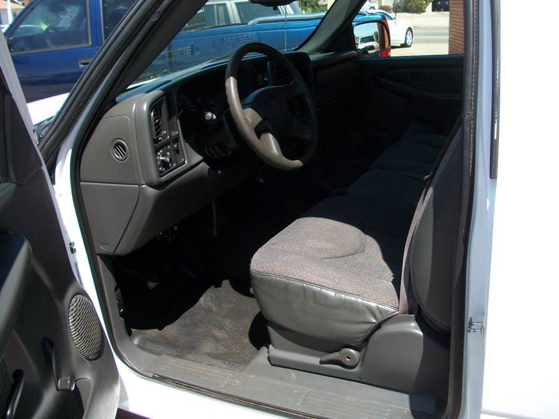 2005 GMC Sierra 1500 for sale at W & W MOTORS in Clovis NM
