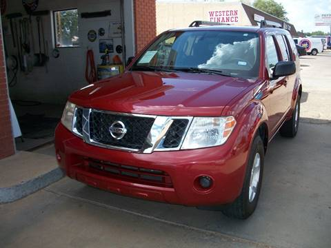 2011 Nissan Pathfinder for sale at W & W MOTORS in Clovis NM