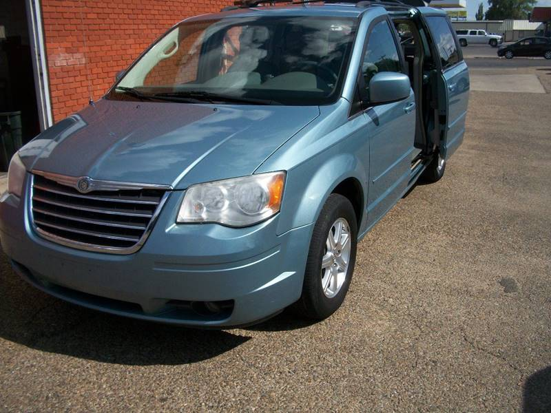 2008 Chrysler Town and Country for sale at W & W MOTORS in Clovis NM