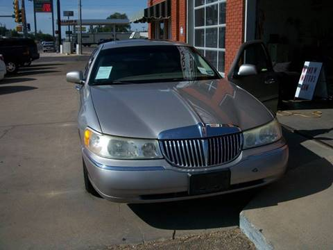 2002 Lincoln Town Car for sale at W & W MOTORS in Clovis NM