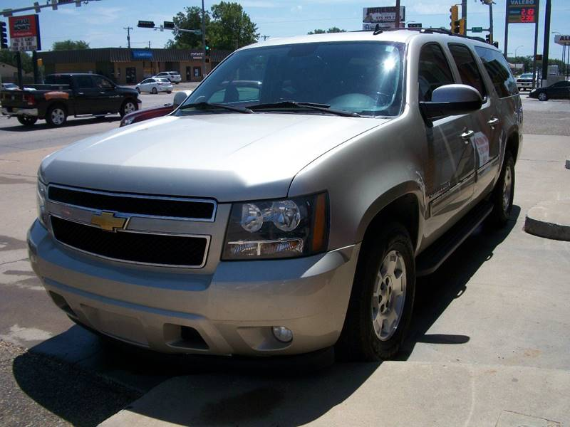 2013 Chevrolet Suburban for sale at W & W MOTORS in Clovis NM