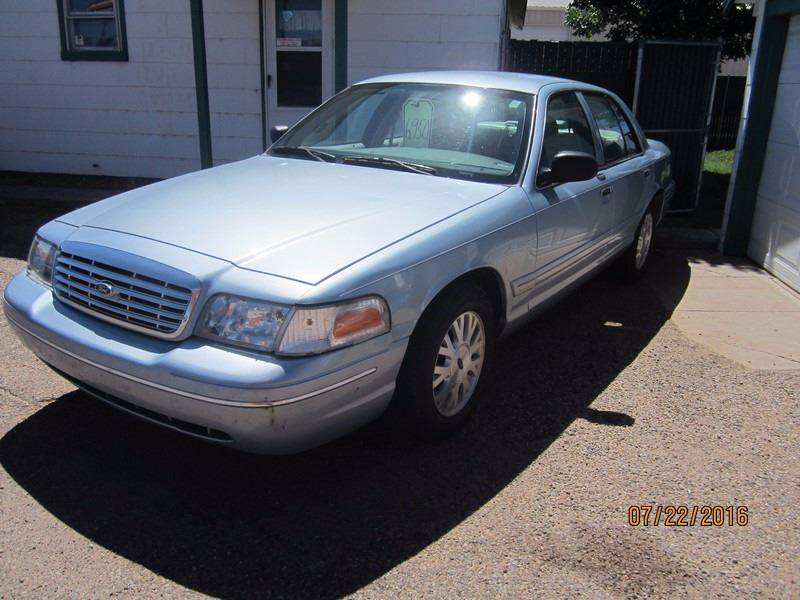 2005 Ford Crown Victoria for sale at W & W MOTORS in Clovis NM