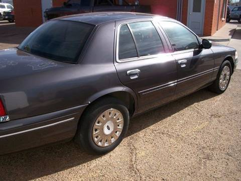 2004 Ford Crown Victoria for sale at W & W MOTORS in Clovis NM
