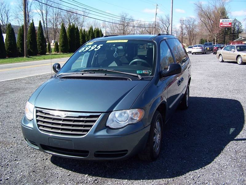 2007 Chrysler Town and Country for sale at PENTON AUTOMOTIVE in Jersey Shore PA