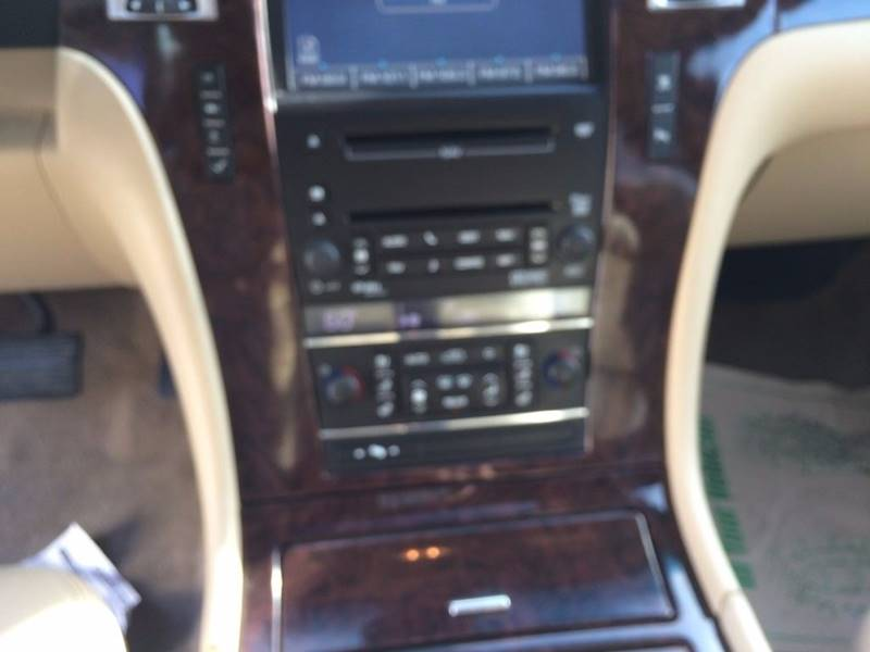 2010 Cadillac Escalade for sale at Paradise Motors Inc in Sweet Home OR