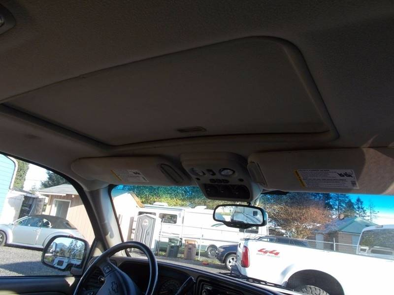 2004 Chevrolet Suburban for sale at Paradise Motors Inc in Sweet Home OR