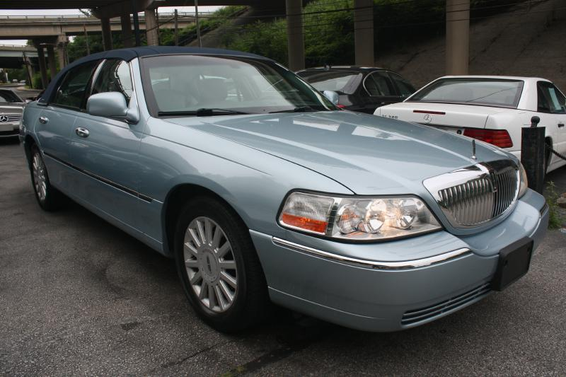 2005 Lincoln Town Car for sale at Pro-Sport Motors in W Conshohocken PA