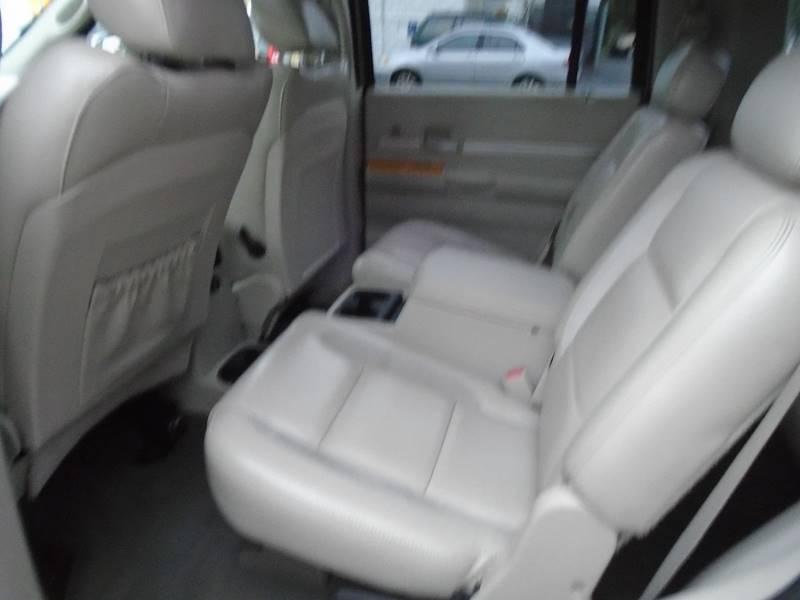2007 Chrysler Aspen for sale at Greg's Auto Sales in Dunellen NJ
