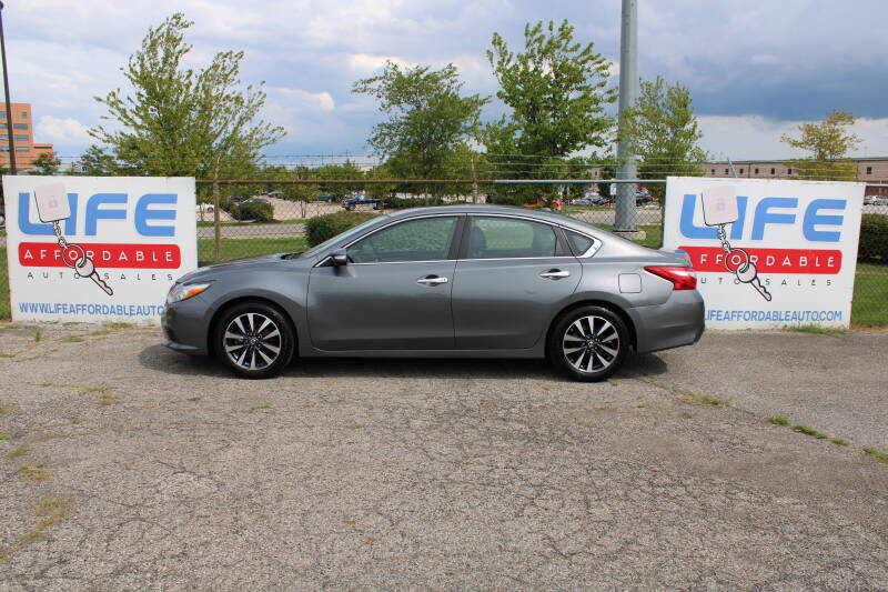 2017 Nissan Altima for sale at LIFE AFFORDABLE AUTO SALES in Columbus OH