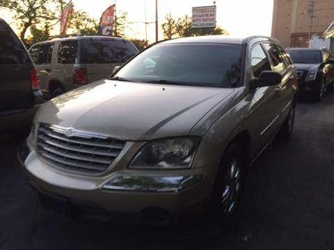 2005 Chrysler Pacifica for sale at Morelia Auto Sales & Service in Maywood IL