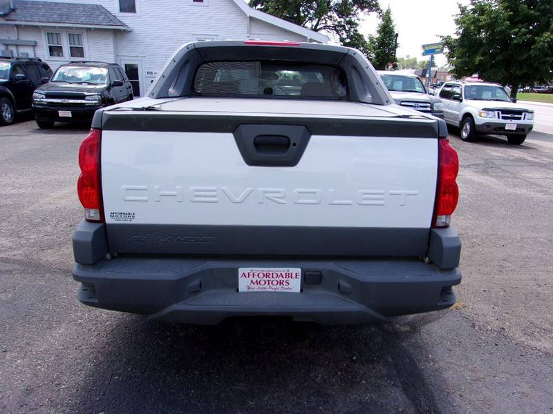 2002 Chevrolet Avalanche for sale at Affordable Motors in Jamestown ND