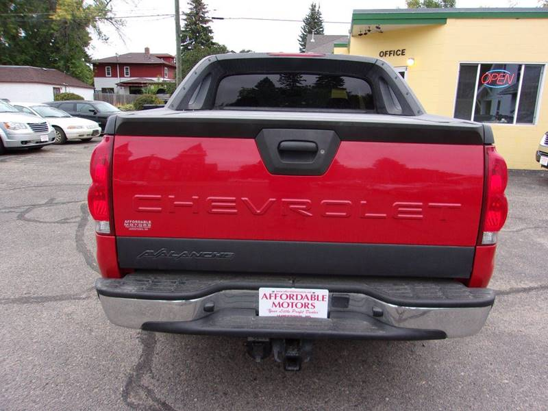 2004 Chevrolet Avalanche for sale at Affordable Motors in Jamestown ND