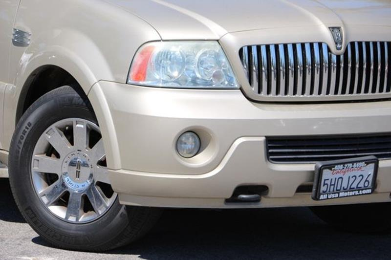 2004 Lincoln Navigator for sale at San Jose Auto Outlet in San Jose CA