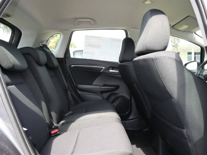 2020 Honda Fit LX (image 10)