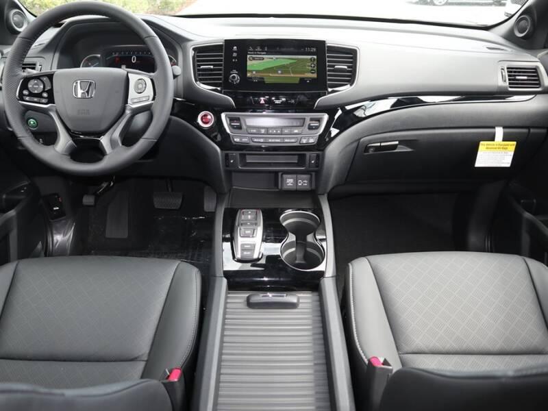 2020 Honda Passport Touring (image 6)