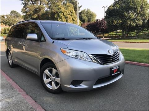 2013 Toyota Sienna for sale in Concord, CA