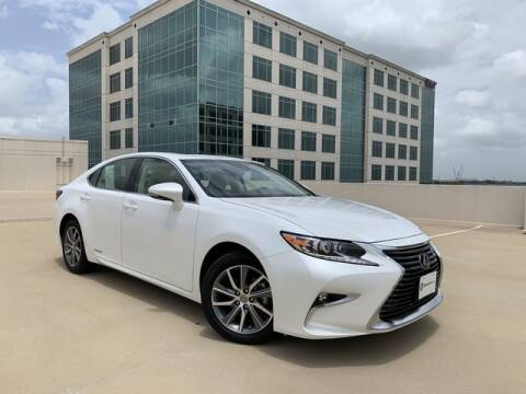 2017 Lexus ES 300h for sale at SIGNATURE Sales & Consignment in Austin TX